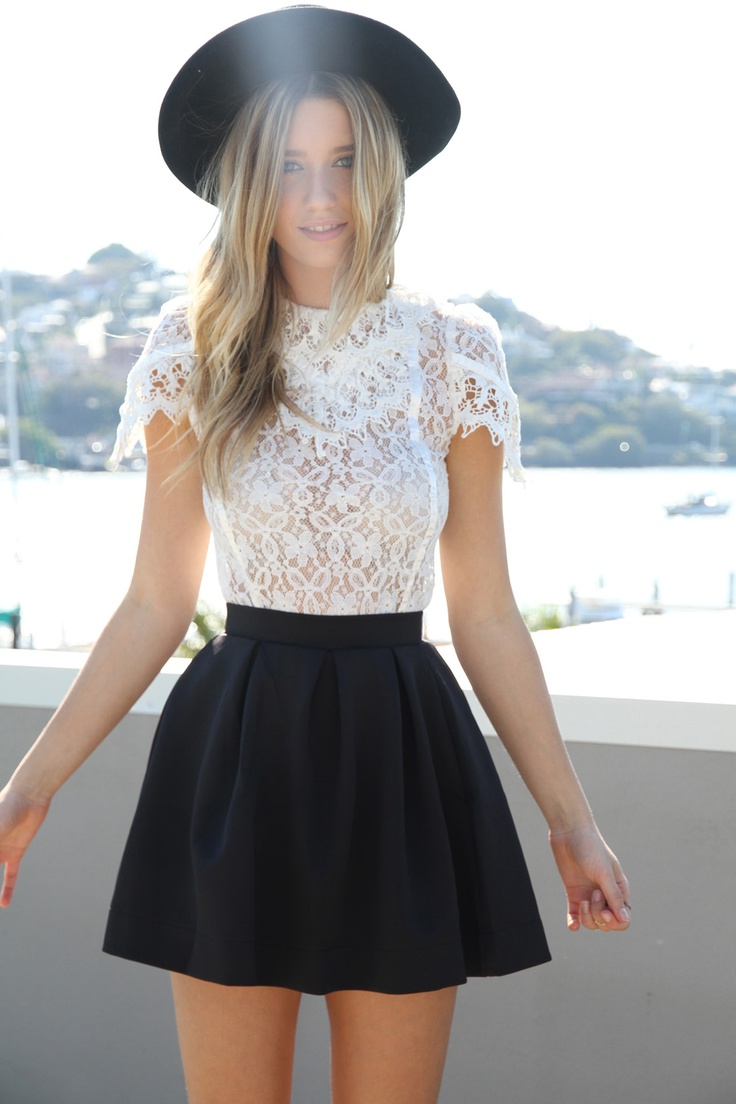 Womens-Lace-Tops-Are-In-Style-For-2015-1